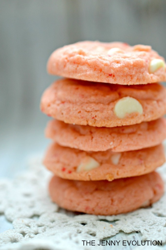 Vanilla-Cream-Strawberry-Cake-Mix-Cookies