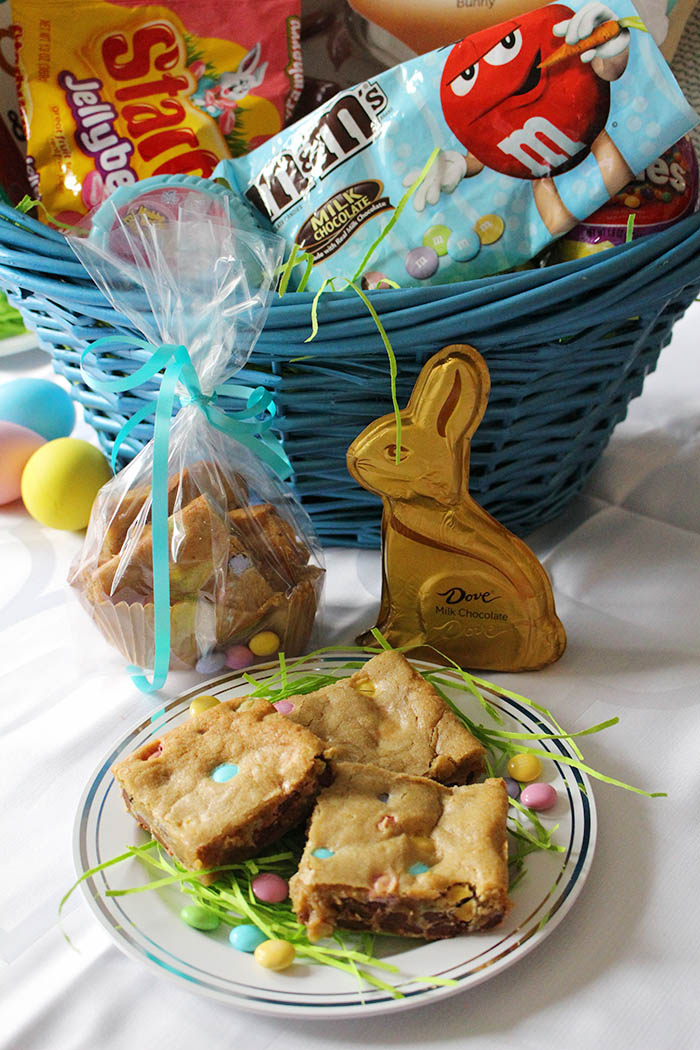 Easter M&M Blondies recipe
