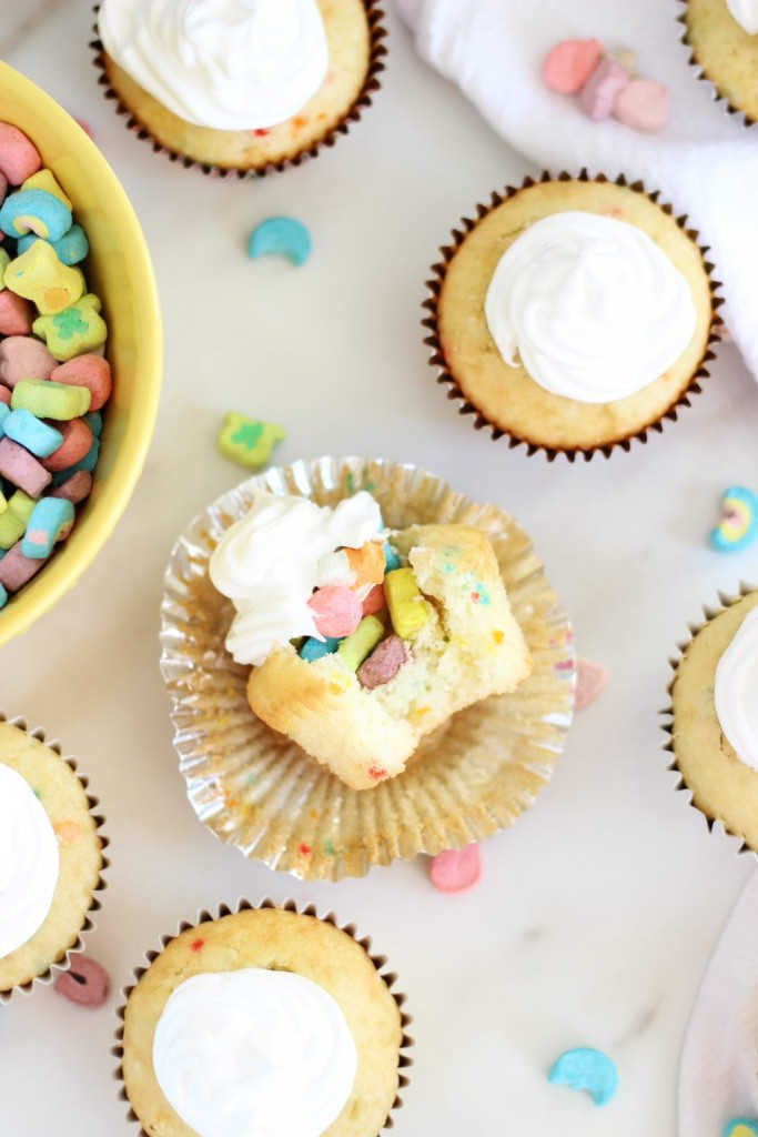 lucky-charms-cupcakes-with-marshmallow-frosting-16-683x1024