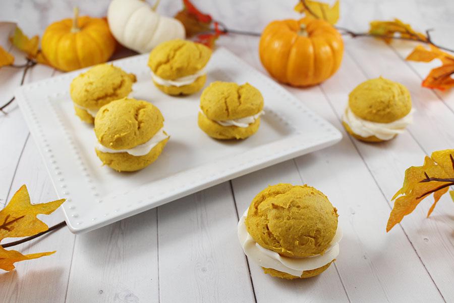 how to make pumpkin whoopie pies