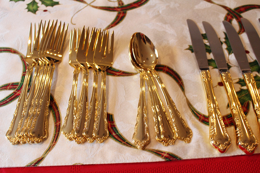 creating-a-holiday-tablescape-and-easy-cleanup-with-scotch-brite17