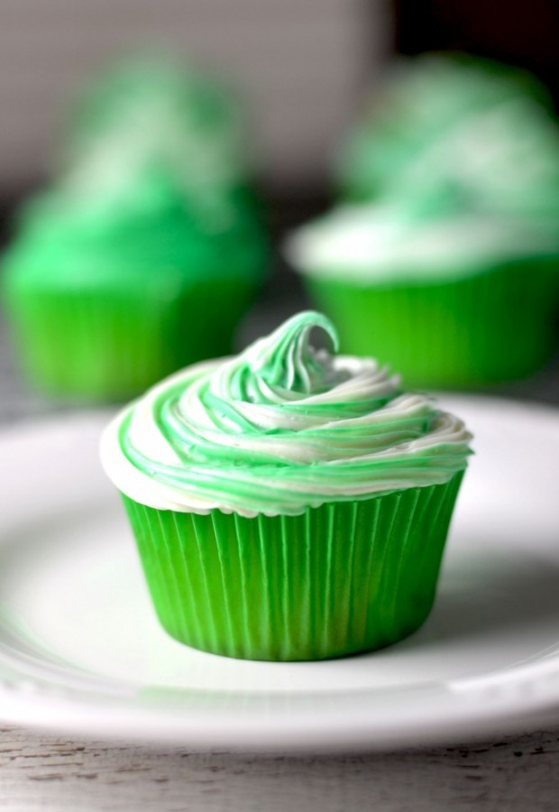 IRISH CREAM CUPCAKES