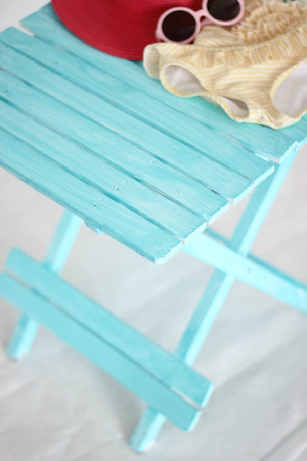 HOW TO CREATE A BEACHY COLORED LOOK WITH PAINT + VIDEO